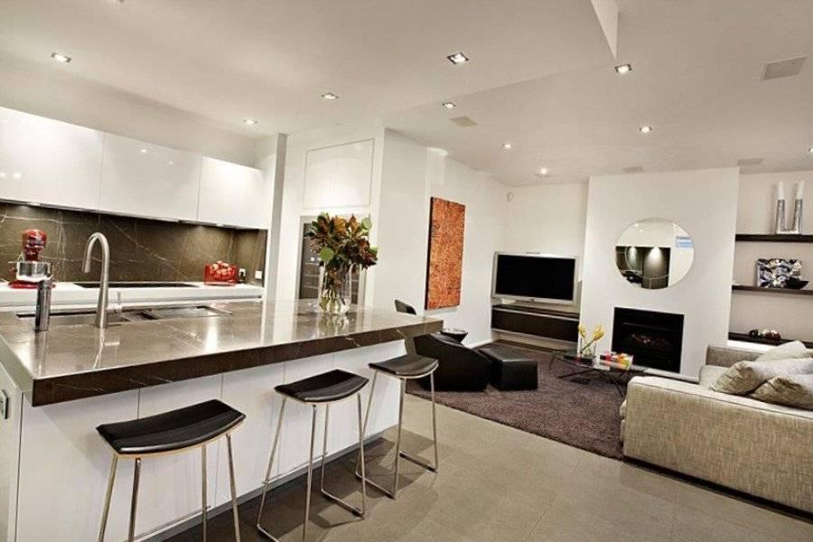 Кухня-гостиная в стиле прованс: 100 фото интерьеров